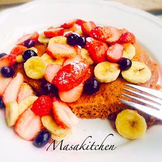 Cocoa pancake brandy flavor  I put cocoa powder with brandy and used coconuts oil instead of sugar It's more healthy and  so nice!  ingredients flour,egg,cocoa powder,coconuts oil strawberries,blueberries, banana,honey.