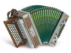 Button Accordion, Chanel Boy Bag, Boxes, Shoulder Bag, Musica, Instruments, Musical Instruments, Playing Games, Studying
