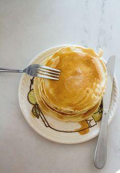 Banana Crêpes Recipe Green Fruit, Orange Fruit, Bakery Muffins, Pancakes, Crêpe Recipe, Banana Crepes, Crepe Batter, Bowl Of Cereal, Food Bowl