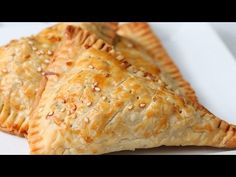 Image cheeseburger hand pies tasty hosted in Life Trends 1 Tasty Videos, Food Videos, Bacon Wrapped Burger, Hamburger Pie, Quiches, Seven Layer Dip, Cheeseburger, Puff Pastry Recipes, Honey Garlic Chicken