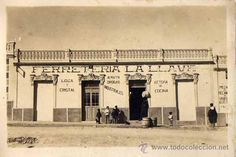ALHUCEMAS. Ferreteria LA LLAVE. Postal fotográfica ORIGINAL. Años 1910s