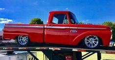 I totally appreciate this coloring for this 1975 Hot Rod Trucks, New Trucks, Custom Trucks, Cool Trucks, Ford Pickup Trucks, Chevy Trucks, F100 Truck, Lowered Trucks, Classic Pickup Trucks