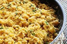Receita de Farofa básica de manteiga, em Salgados, ingredientes: 3 colheres (sopa) de manteiga, 1 cebola média picada, 1 colher (chá) de sal, Farinha de mandioca pouco torrada (do tipo cru)...