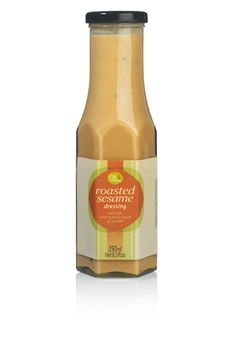 This dressing, based on oil, vinegar and roasted sesame seeds, is a real treat for the taste buds. A delicate and nutty flavor, delicious over a vegetable salad or with sushi.