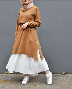 Sweater Dresses With Hijab Style . Casual and street style hijab outfit ideas. hijab Sweater Dresses With Hijab Style - Zahrah Rose Modern Hijab Fashion, Street Hijab Fashion, Hijab Fashion Inspiration, Islamic Fashion, Muslim Fashion, Modest Fashion, Skirt Fashion, Fashion Dresses, Queer Fashion