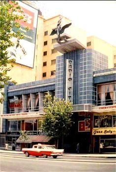 Radio City Sabana Grande, 1957 cuando no estaba peatonalizado. Caracas Venezuela