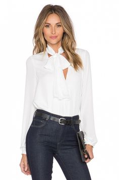 52f7a9215b54 L Academie The 70 s Blouse Casual Friday Outfit