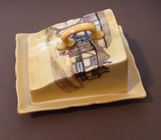 Covered cheese/butter dish by Hanley Jolly Drover Cheese Dome, Cheese Trays, Cheese Dishes, Butter Cheese, Butter Dish, Old Fashioned Kitchen, Cozy Kitchen, Butler Pantry, Vintage Yellow