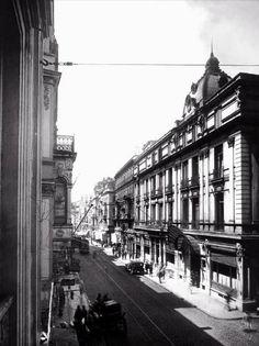 İstiklall street Tokatliyan otek  1920  ler