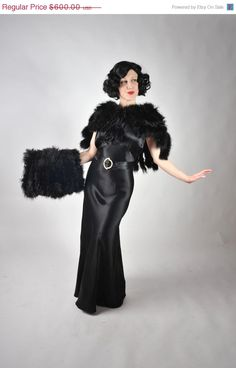 1930s ostrich capelet with matching muff.