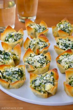 Spinach-Artichoke Dip Wonton Cups recipe from justataste.com #recipe #appetizer #snacks #holiday