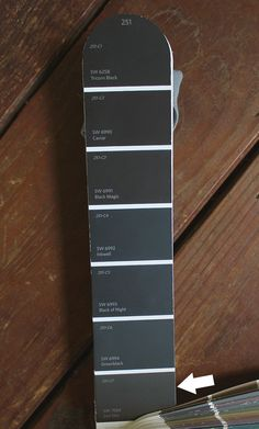 7 Best Black Paint Colors By Sherwin-Williams — Tag & Tibby Design House Paint Exterior, Black Exterior, Exterior Paint Colors, Exterior House Colors, Exterior Design, Best Gray Paint Color, Blue Gray Paint Colors, Best White Paint, Paint Colours
