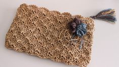 Papierstich Shell Stitch Clutch Bag Making - çanta - Diy Bags Purses, Diy Purse, Crochet Handbags, Crochet Purses, Crochet Pouch, Crochet Bags, Diy Crafts Crochet, Fabric Crafts, Armband Tutorial