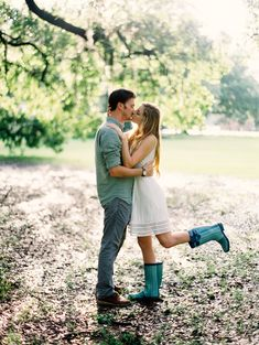 What to do when it rains during your engagement session | Wedding Sparrow | Greer Gattuso Photography