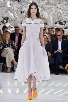 10 looks impressionnants de la Semaine de mode Haute Couture | Clin d'oeil