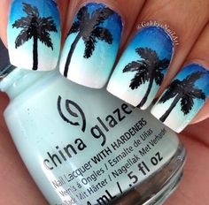Blue ombre palm tree nails and oh my gosh I'm in love with this Summer Toe Nails, Beach Nails, Spring Nails, Nail Art Designs, Nail Designs Spring, Nails Design, California Nails, Palm Tree Nails, Broken Nails