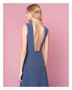 Платье миди с юбкой клиньями и открытой спиной, - никого не оставит равнодушным 🙆🏼✨✨✨ По поводу заказа пишите в директ 😘