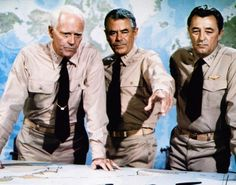 Henry Fonda, Glenn Ford and Robert Mitchum in The Battle of Midway ( 1976 )