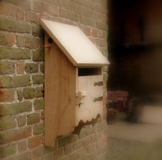 Oak mailbox with separated birdhouse apartment Post Box Wooden, Wooden Mailbox, Wall Mount Mailbox, Wooden Boxes, Post Bus, Small Wood Projects, Home Reno, Bird Houses, Wood Crafts