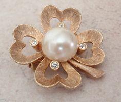 Shamrock Brooch Pearl Rhinestone Hearts JJ Jonette Gold Tone Vintage V0520 by cutterstone on Etsy