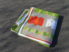 Tips on quilting using a home sewing machine for large quilts. Good stuff on this blog!