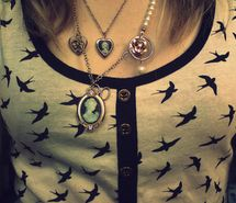 Inspiring picture bird, fashion, girl, jewellery, necklace, swallow. Resolution: 320x221 px. Find the picture to your taste!