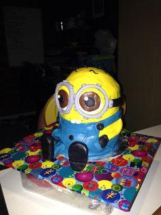 Hillbilly minion cake