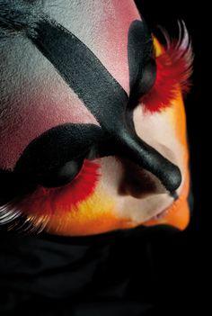 Photographer: Giovanni Barsanti Model: Lindsay Caterina Makeup: Virginia Bertolani
