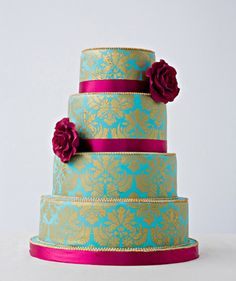 Damask Cake I love Damask ANYTHING, but CAKE!?! Does it get any better?! It's a gorgeous cake!