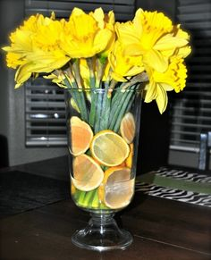 simple daffodil and lemon spring/easter arrangement - Continued!