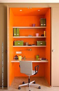 The desk inserted into a closet: style by frédéric tabary, eclectic wood effect wood - New Deko Sites Diy Bureau, Closet Office, Basement Remodeling, Elle Decor, Boy Room, Bathroom Medicine Cabinet, Shelves, Wood, House