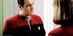 Janeway / Chakotay flirting...because sometimes your otp will make you squeal with the overall cuteness.