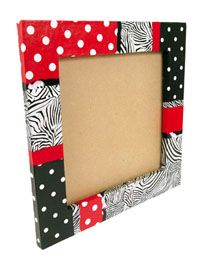 Photoframe red and black Dot Painting, Painting On Wood, Decopatch Ideas, Frame Crafts, Diy Crafts, Cardboard Frames, Decoupage, Fused Glass Art, Pottery Designs