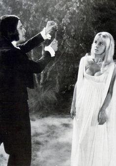 Lust For A Vampire 1971 Ralph Bates Yutte Stensgaard Image 1 Hammer Movie, Hammer Horror Films, Hammer Films, Sci Fi Movies, Scary Movies, Old Movies, Horror Movies, Halloween Movies, Vintage Movies