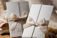 Convites de casamento estilo dobrado com laço