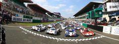 Les bolides sur la ligne de départ des 24h du Mans.