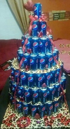 Pepsi Cake...took over 200 cans!!! My husband would love this one... looks just amazing!