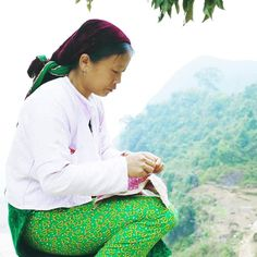 Sewing on top of the mountain _____________________ #hagiang #meovac #lungcu #vietnam #vietnamese #travel #wanderlust #ethnic #roadtrip #NorthVietnam #green #canon6d #canon #life #justgoshoot #fujifilm #fujifilm_xseries #fuji_x_club #photooftheday #igers #valley #curves #sewing #woman #work #top #of #mountains #moment by caoscrown
