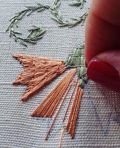 handembroidery #embroidery #ricamomano #broderiemain #broderie #needleart #needlepoint #needlework #madeinportugal #bordadoaseda #silkthreads #pontodecastelobranco #wip #prisões #bordadosdecastelobranco #textilart #agulhaelinha #handmade #bordado #bordadoàmão #stitchers #tapestry #silkwork#artesanato