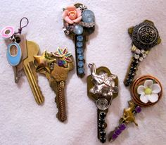 repurposed key necklaces
