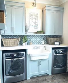 """1,452 Likes, 17 Comments - Cecelia (@thewelldressedhouse) on Instagram: """"Laundry goals!.....Tag a friend who would love this too!..... credit: @gretchenblack . . . . .…"""""""
