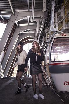 Look femme I.CODE : Teddy bouclette et jupe en cuir Automne-Hiver 2016 #womenstyle #fw16