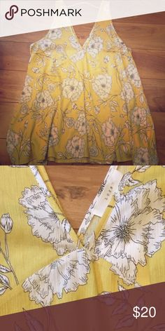 Spring tank Yellow and white floral swing tank. Size S, NWT by Lush Lush Tops Tank Tops