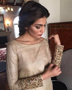 Lovely Sleeves, Keeping it simple and chic! Embellished cuffs is one of our all time favourite trends. Churidar Designs, Kurta Designs Women, Blouse Designs, Silk Kurti Designs, Indian Attire, Indian Wear, Pakistani Outfits, Indian Outfits, Look Fashion