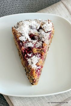 "Juicy cherry cake with grated chocolate: Cherry plotter - Have a nice day!: Juicy cherry cake with grated chocolate: ""Kirschplotzer"" - Cake Recipes, Snack Recipes, Dessert Recipes, Fall Desserts, No Bake Desserts, Cherry Cake, Easy Smoothie Recipes, Pumpkin Spice Cupcakes, Ice Cream Recipes"