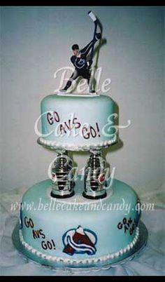 Awesome Colorado Avalanche cake! Hockey fan wedding? Yes please