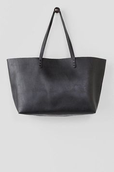 GIFTS FOR MOMS | Kennedy Solid Tote from Francesca's $48