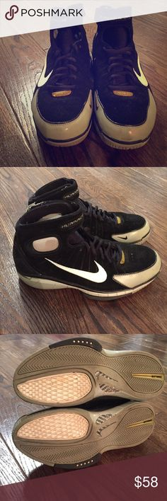 NIKE - HUARRACHE 2K4 Pre-loved and being SOLD with scratches and markings as pictured. Soles are still in tact. Velcro closure at top. Size 7 in Men's. I (a female) personally wore them. Nike Shoes Athletic Shoes