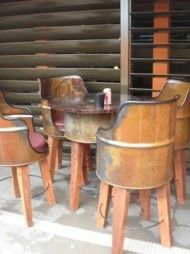 Gallon metal chairs and table … - Diy Furniture Barrel Furniture, Metal Furniture, Repurposed Furniture, Industrial Furniture, New Furniture, Furniture Making, Furniture Ideas, Antique Furniture, Antique Desk