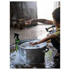 IKEA - BORSTAD, Rinsing tub, The wash-up bowl is galvanized to protect against corrosion. Washing Up Bowls, Mopping Floors, Cleaning Buckets, Scandi Chic, Open Wardrobe, Recycling Facility, Peeling Potatoes, Hemnes, Kallax